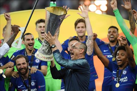 HLV Sarri da co mua dau tien thanh cong o Chelsea