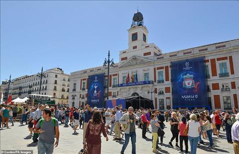 Trước chung kết C1, 100 nghìn CĐV Anh đổ bộ tới Madrid hình ảnh 2