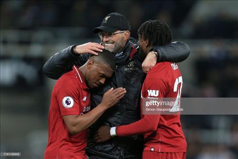 Tien dao Daniel Sturridge o tran Newcastle 2-3 Liverpool