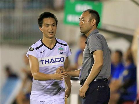HLV Lee Tae Hoon rèn lối đá cực dị cho các cầu thủ HAGL hình ảnh