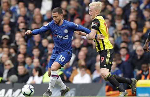 Chelsea vs Watford Hazard di bong