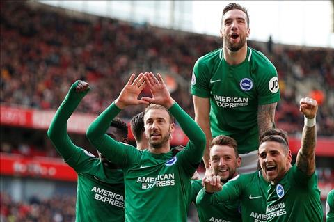 Brighton ghi ban truoc Arsenal