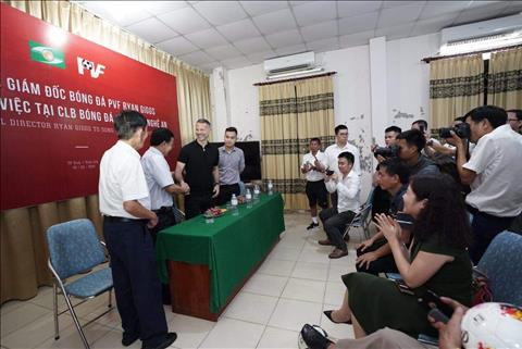 NÓNG Huyền thoại MU, Ryan Giggs có mặt ở Việt Nam hình ảnh