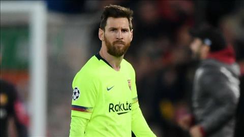 Robertson và Messi va chạm ở trận Liverpool vs Barca hình ảnh
