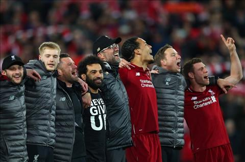Liverpool lot vao chung ket Champions League