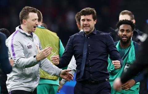 HLV Pochettino khóc nức nở khi Tottenham vào CK C1 hình ảnh