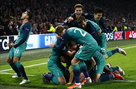 Ajax tu dang chiec ve vao chung ket cho Tottenham