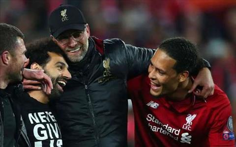 Van Dijk cua Liverpool