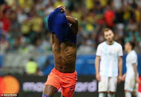 Argentina 0-2 Colombia Messi bất lực, Albiceleste thê thảm trận ra quân Copa America 2019 hình ảnh 5