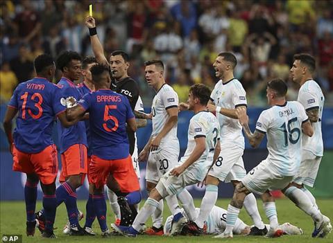 Maradona chỉ trích Argentina sau trận thua 0-2 trước Colombia hình ảnh