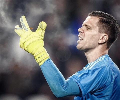 Ảnh chế HLV Sarri ký hợp đồng với Juventus Giờ ai cản hút thuốc hình ảnh