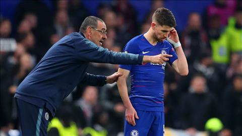 Jorginho co the phai ngoi du bi neu o lai Chelsea
