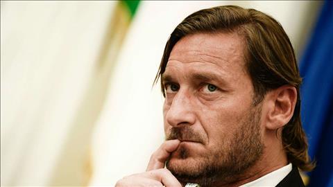 Totti chia tay Roma sau 3 thập kỷ Tôi đã bị đâm sau lưng hình ảnh