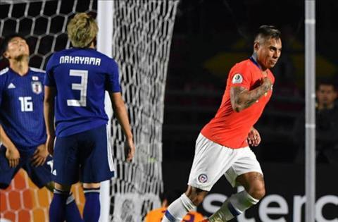 Vargas lap mot cu dup cho Chile
