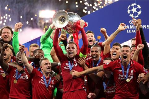 Liverpool vo dich Champions League Henderson nang cup