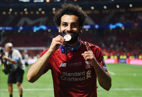 Voi ca nhan Salah, anh da co mot mua giai tuyet voi. Chuc vo dich la su bu dap nhung ton thuong anh da gap phai trong tran chung ket Champions League nam ngoai, sau cu khoa tay cua Ramos.