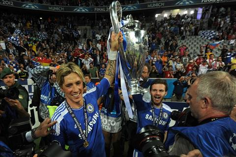 O Chelsea, Torres co the khong thuc su hanh phuc nhung lai co co hoi nang cao nhung chiec cup vo dich.