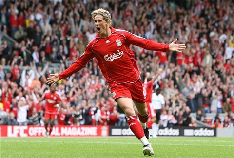 Nhieu nguoi van nho ve hinh anh Fernando Torres trong mau ao Liverpoo.