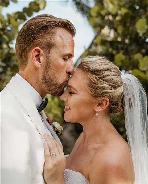 Harry Kane làm đám cưới với bạn thân từ nhỏ hình ảnh
