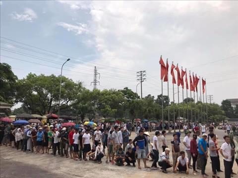 NMH mua vé xem U23 Việt Nam thi đấu từ 4h sáng hình ảnh