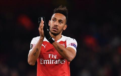 Tiền đạo Aubameyang của Arsenal tiếp bước huyền thoại Henry hình ảnh