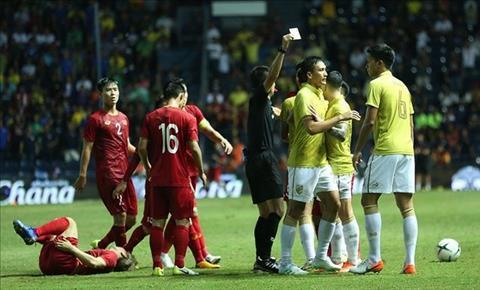 Người Thái xứng đáng phải nhận hai thẻ đỏ vì lối đá xấu trước Việ hình ảnh