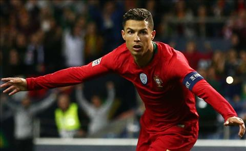 Ronaldo lap hat-trick cho Bo Dao Nha