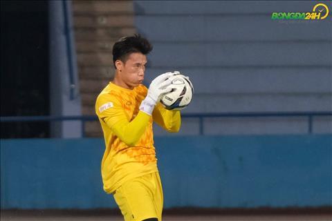 Thủ môn Bùi Tiến Dũng suýt gia nhập CLB TPHCM ở V-League 2019 hình ảnh