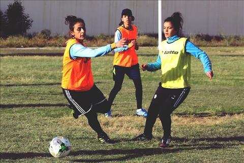 Hoa trên chiến trường Những cô gái Libya khát khao chơi bóng hình ảnh