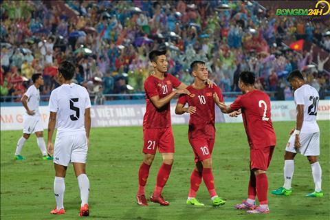 Tien Linh nang ty so len 2-0