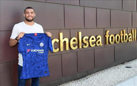Kovacic gia nhap Chelsea