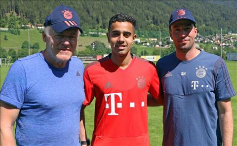 Bayern chiêu mộ sao trẻ Sarpreet Singh từ Wellington Phoenix  hình ảnh