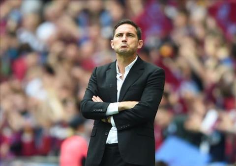 Lampard chi la mot trong nhung ung vien duoc Chelsea nham toi