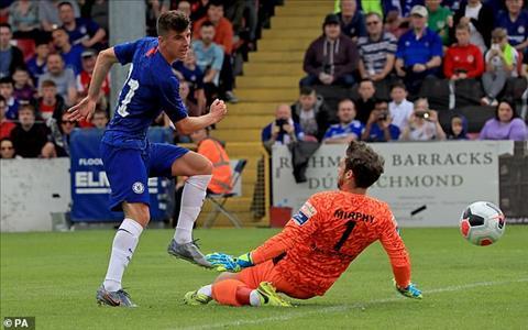 David Luiz thúc giục các cầu thủ trẻ Chelsea nỗ lực giành vị tri hình ảnh