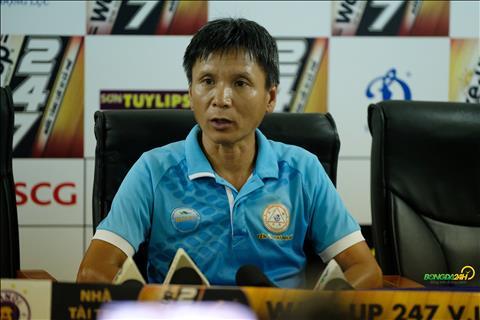 HLV Vo Dinh Tan chia se sau tran hoa Ha Noi
