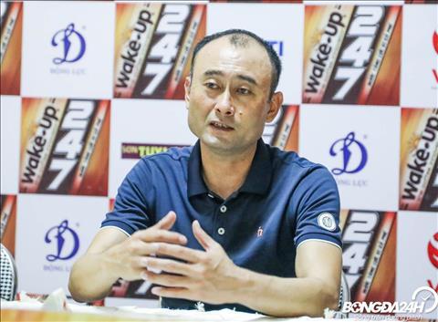 HLV Lee Tae Hoon giai thich ly do Xuan Truong du bi.