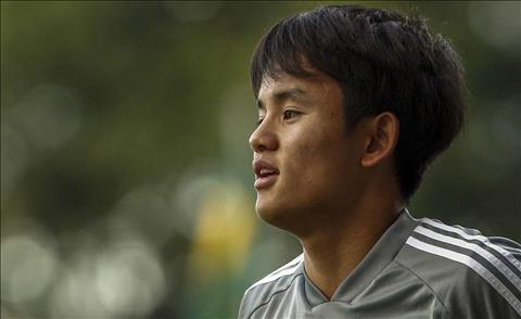 Takefusa Kubo mới ca ngợi đội bóng mới Real Madrid hình ảnh
