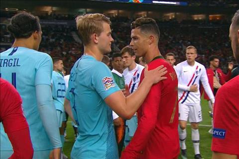 De Ligt gia nhập Juventus và phũ phàng phủi công Ronaldo hình ảnh