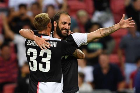 Higuain la tac gia ban con lai cho Juventus