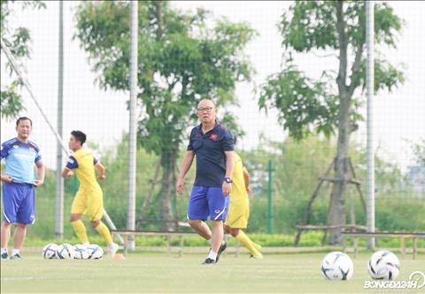 Chien luoc gia nguoi Han Quoc rat cung ran khi chua bao gio cho phep flycam bay tren san tap cua DTQG cung nhu U23 Viet Nam.
