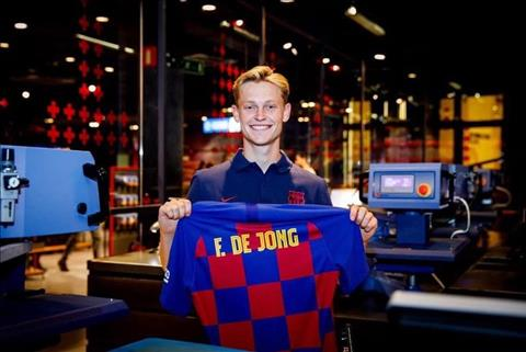 VIDEO Frenkie De Jong Thần tượng Messi giờ đã thành đồng đội! hình ảnh