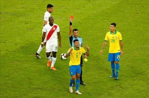 Gabriel Jesus của Brazil đã nói lời xin lỗi vì cơn giận ở CK Copa hình ảnh