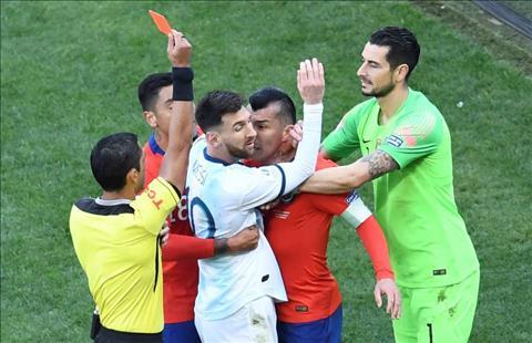 Medel ủng hộ Messi sau pha ẩu đả nhận thẻ đỏ Copa America 2019 hình ảnh