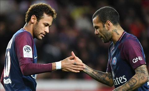 Alves va Neymar