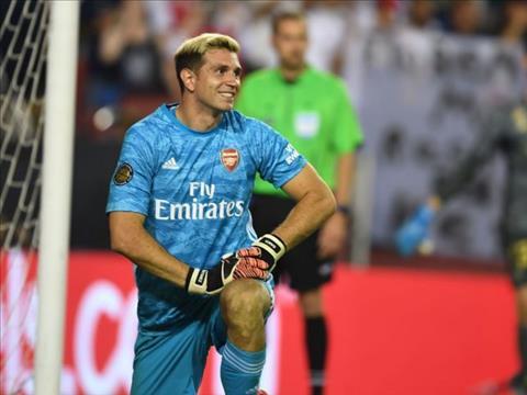 Emiliano Martinez chiếm vị trí của Leno ở Arsenal hình ảnh