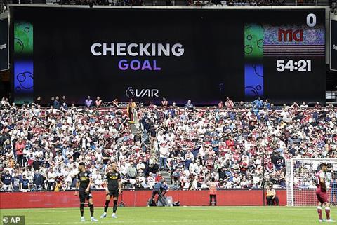 Cận cành VAR lấy đi chiến thắng của Man City trước Tottenham hình ảnh 2