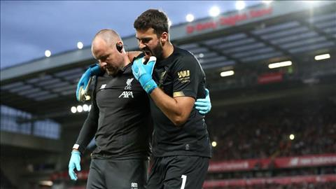 Thủ môn Adrian của Liverpool được HLV Klopp như nâng trứng hứng hoa hình ảnh