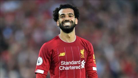 Tiền đạo Salah thể hiện hành động tình cảm với fan nhí Liverpool hình ảnh