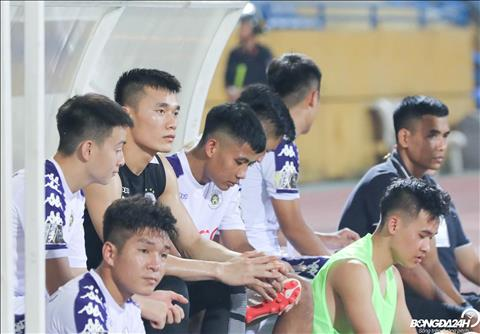Mot thu thanh U23 Viet Nam khac la Bui Tien Dung cung tiep tuc phai ngoi du bi.