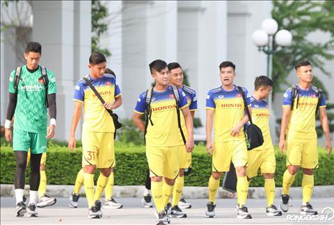 ẢNH U22 Việt Nam đeo thiết bị lạ trong buổi tập đầu hình ảnh